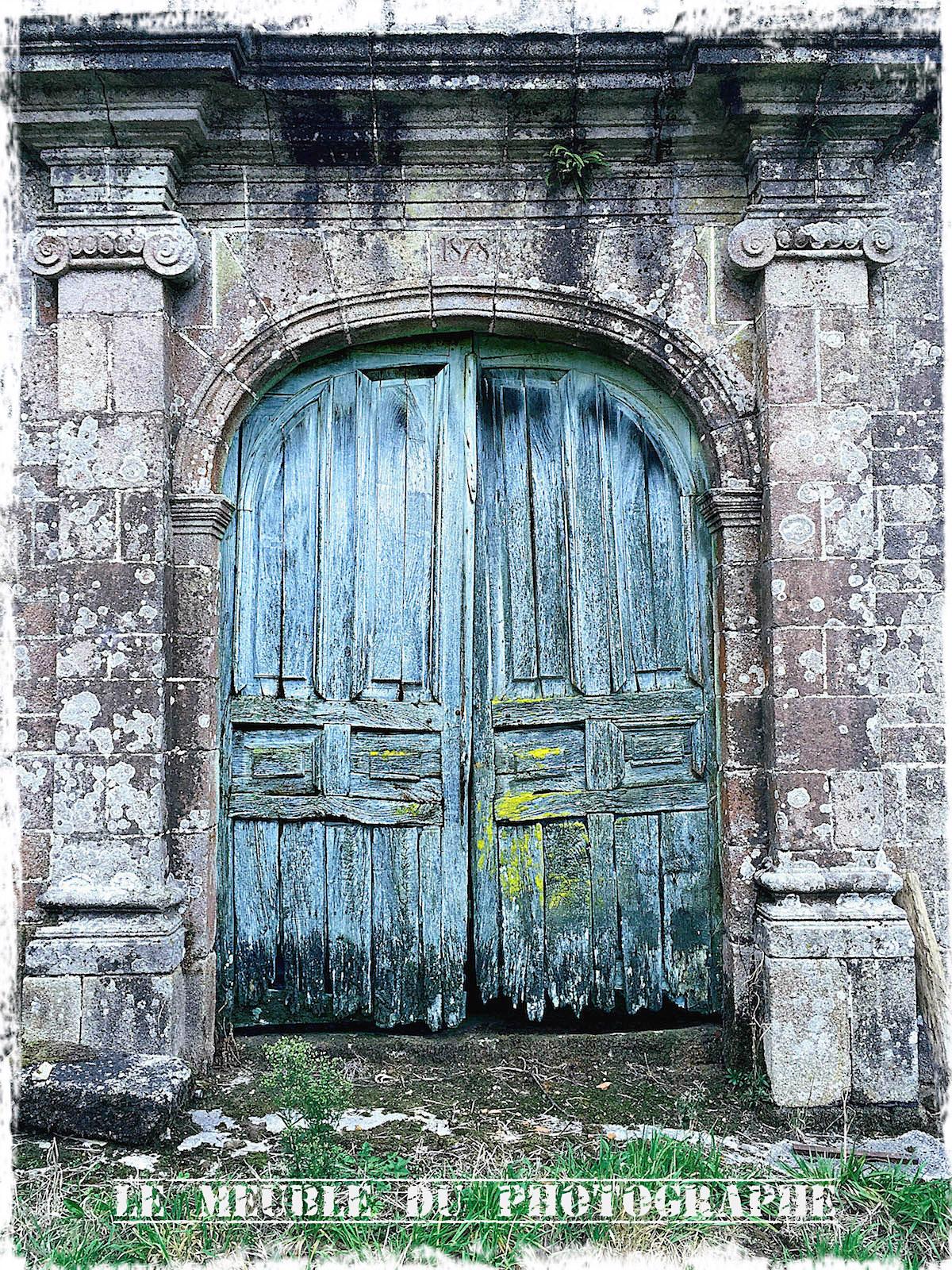 Papier Peint Trompe L Oeil Porte Placard papier peint photo: la porte de château