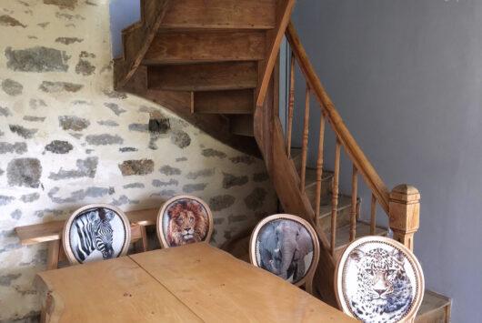 Chaises et table cyprès